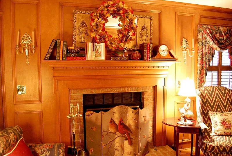 Decorating the fireplace mantel for fall