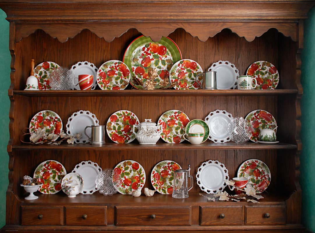 Displaying And Decorating With China For The Seasons