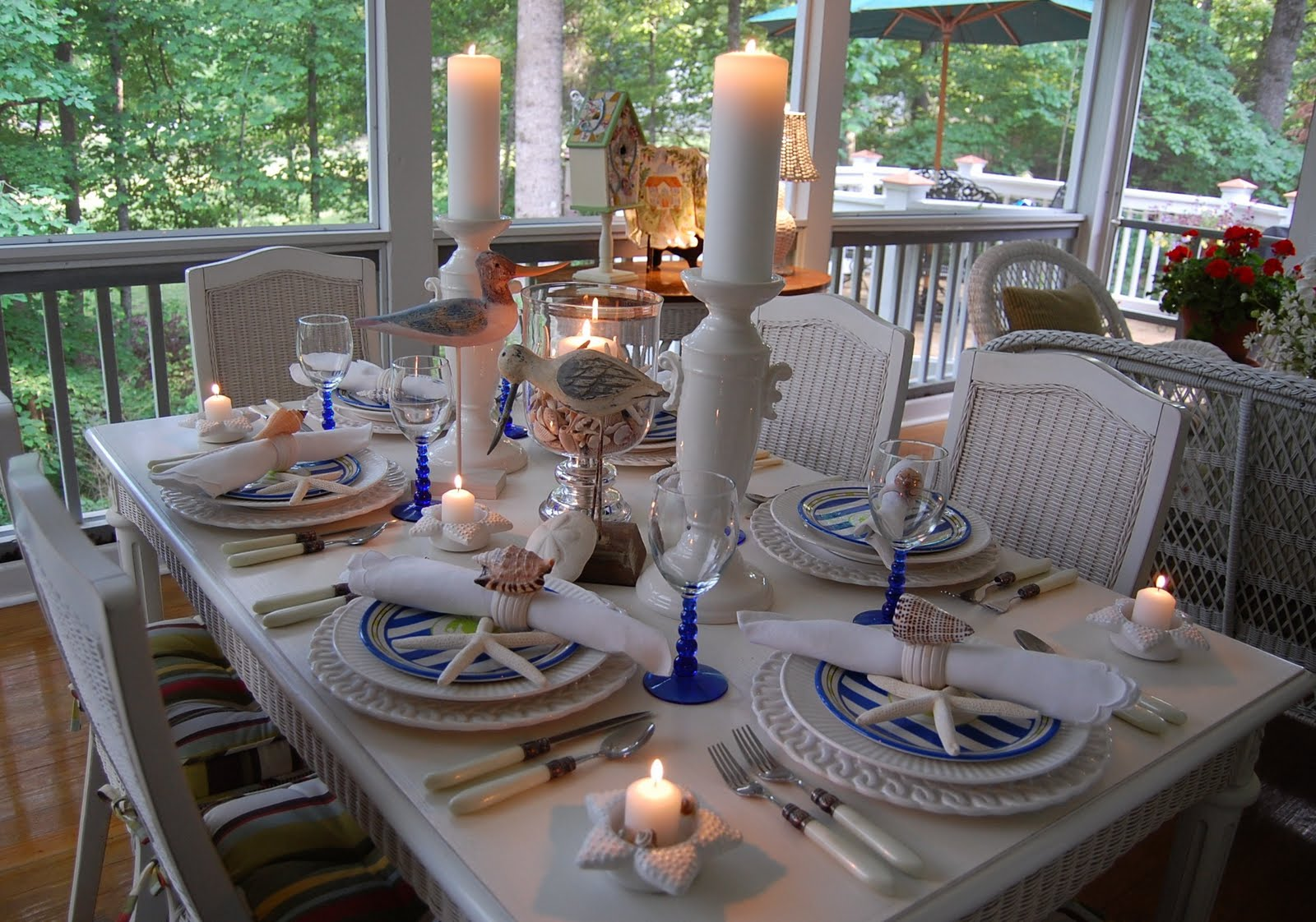 Beach themed table setting with crab plates shell