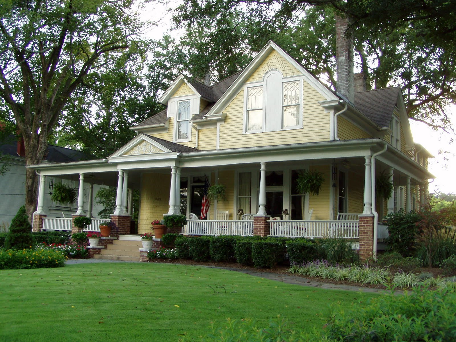 Let s pretend it s summertime again and we ll go for a for Single story house with wrap around porch