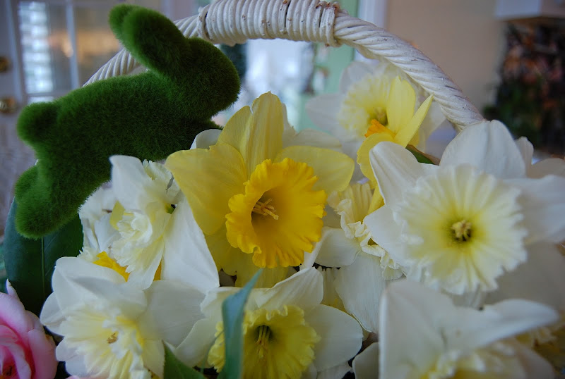 Easter Table Settings Tablescape with Daffodil & Camellia Centerpiece