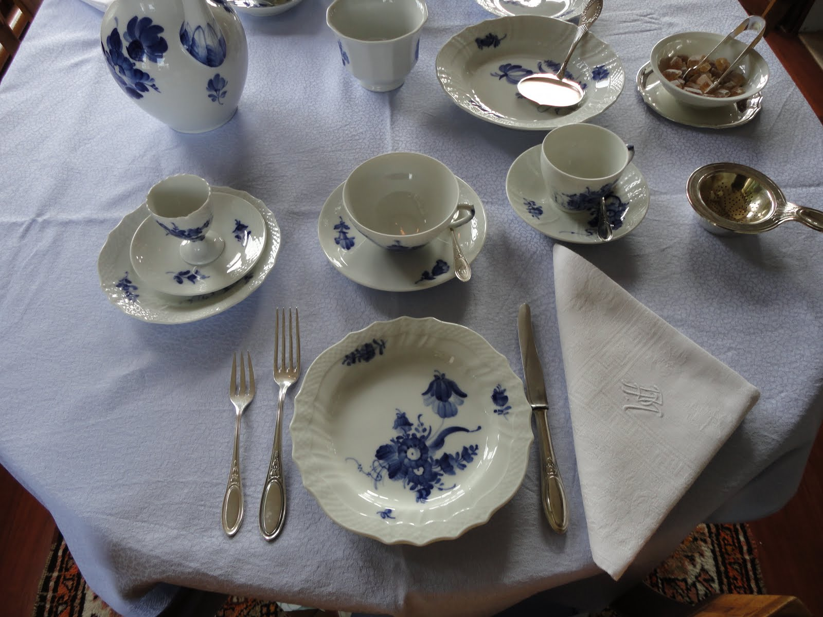 Dining in the conservatory with royal copenhagen blue flower