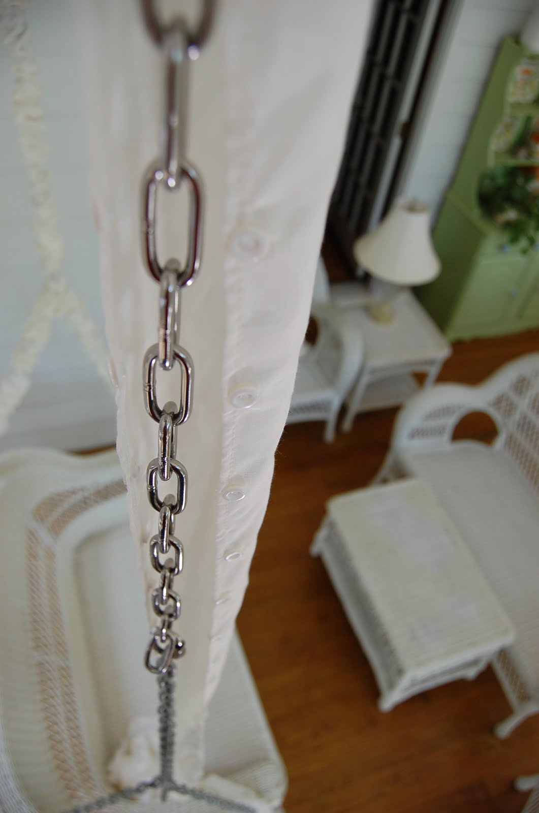 Hiding and Covering Metal Swing Chains Easily