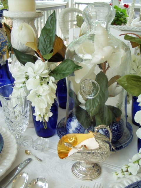 Tablescaping In Blue And White