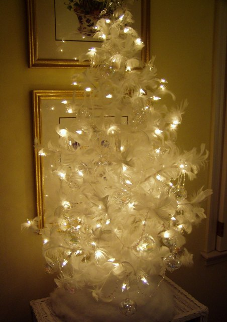 a feather christmas tree for the guest room - Feather Christmas Tree Decorations