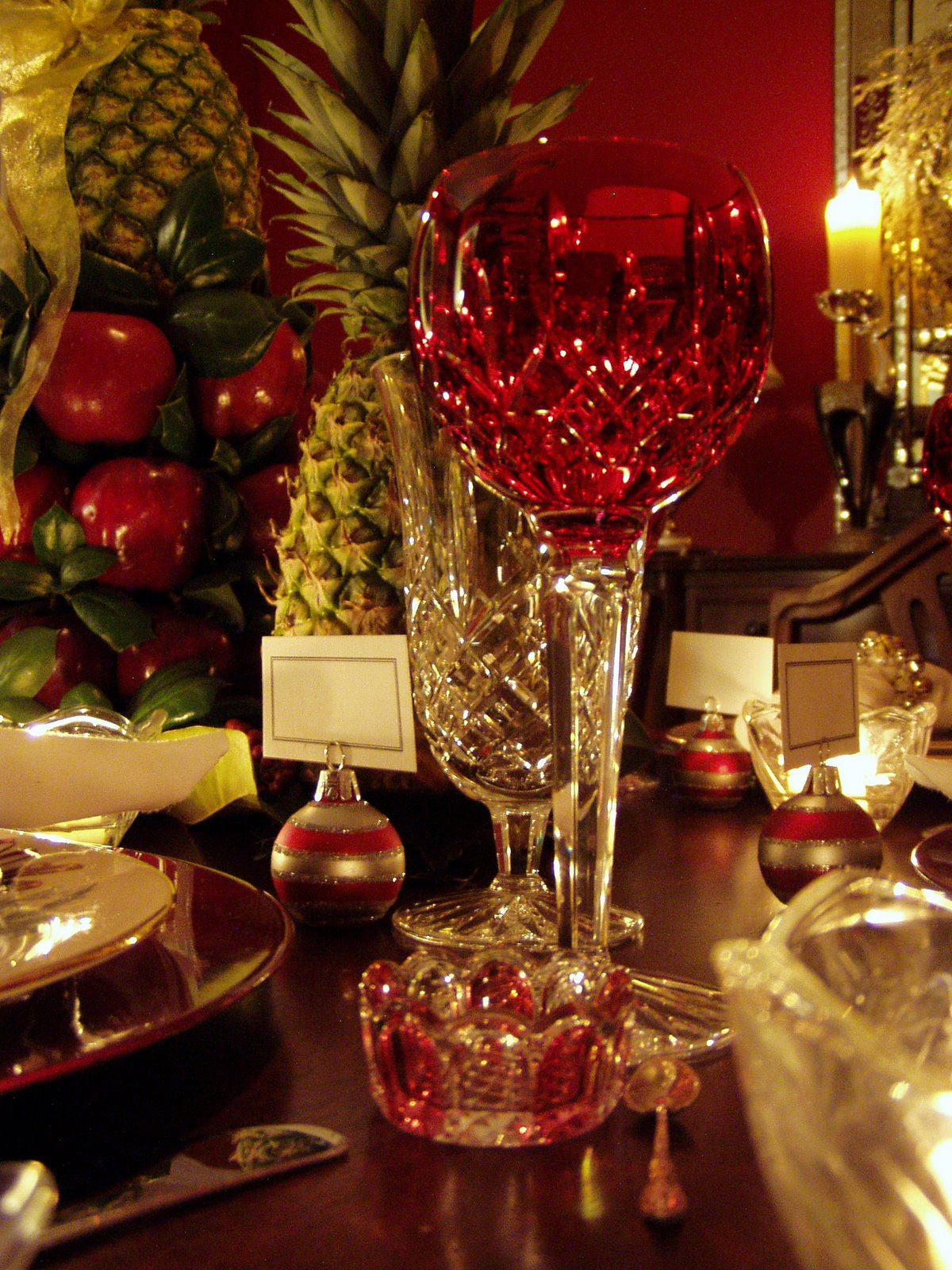 Colonial Williamsburg Christmas Table Setting With Apple