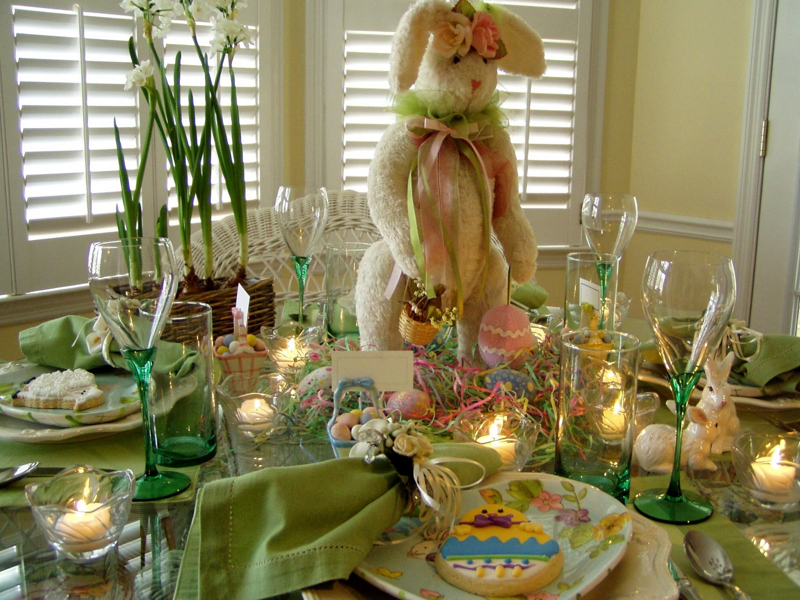 Easter table setting tablescape with bunny centerpiece for Table centerpieces for home