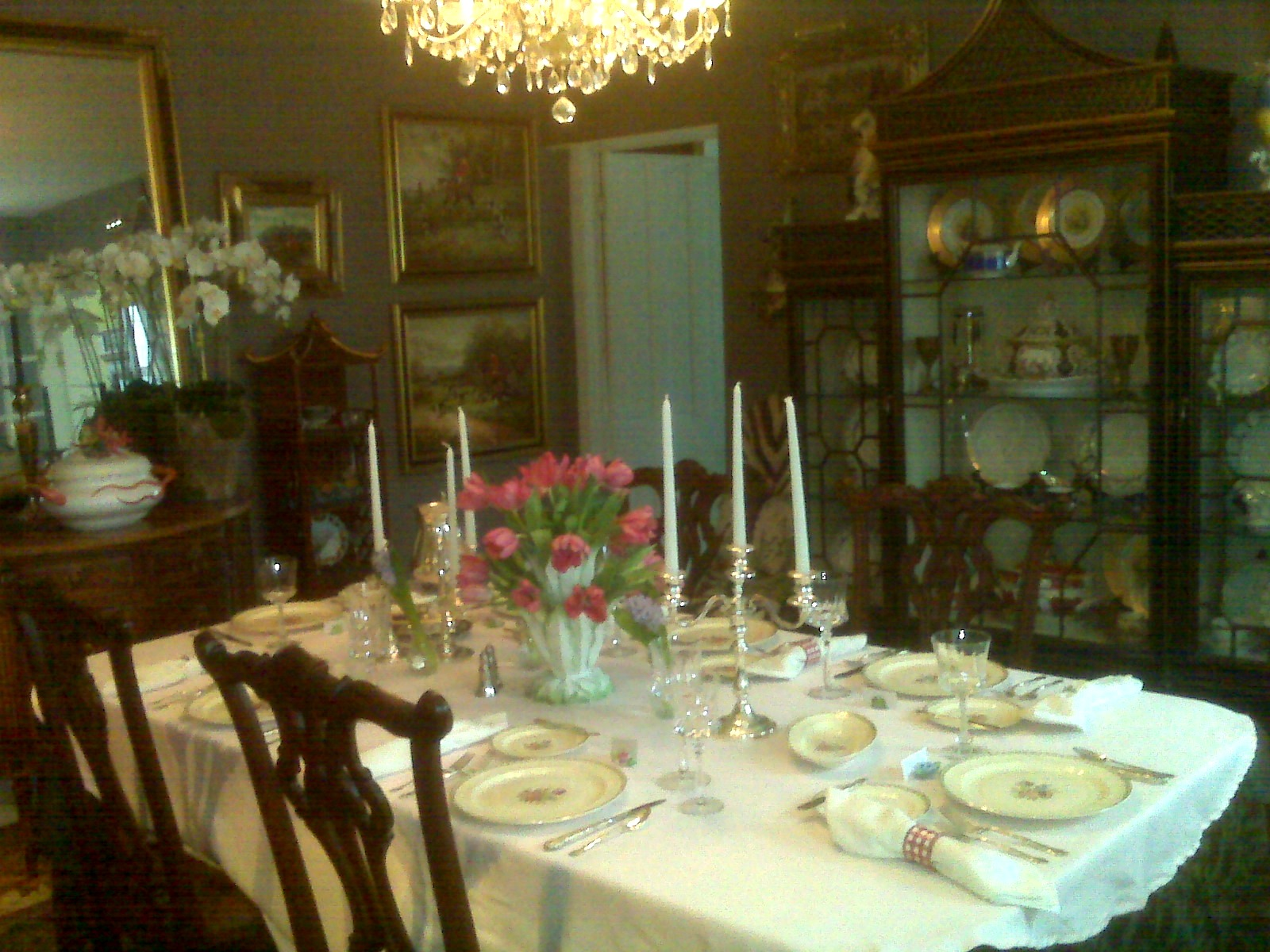 Elegant tablescape in a beautiful dining room for Beautiful dining room centerpieces