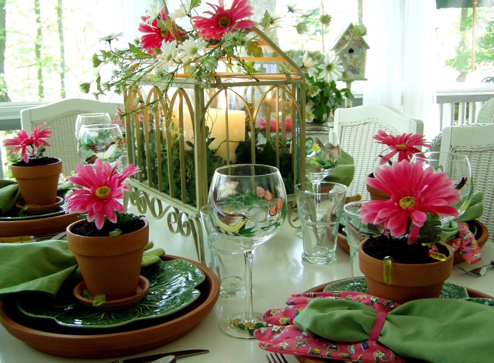 A garden party table setting tablesscape for Garden table decorations