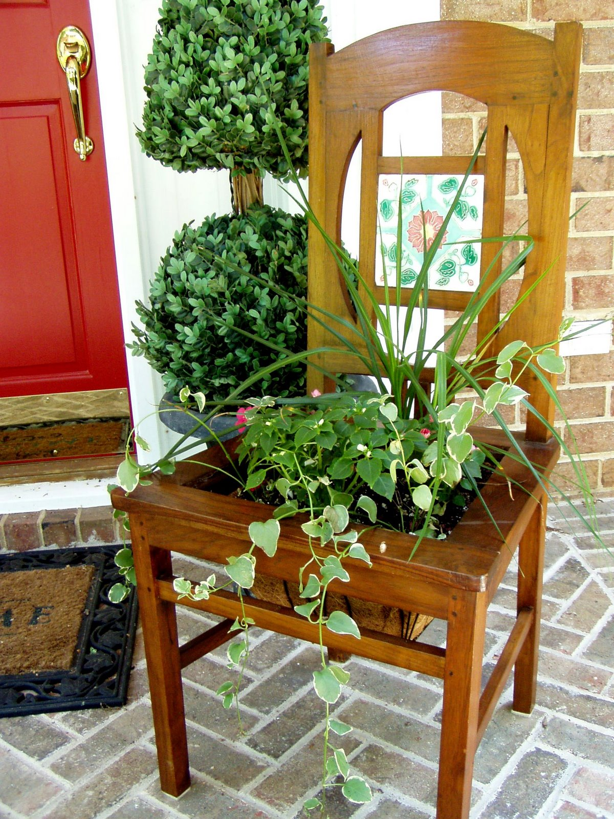 make a planter from an old chair. Black Bedroom Furniture Sets. Home Design Ideas