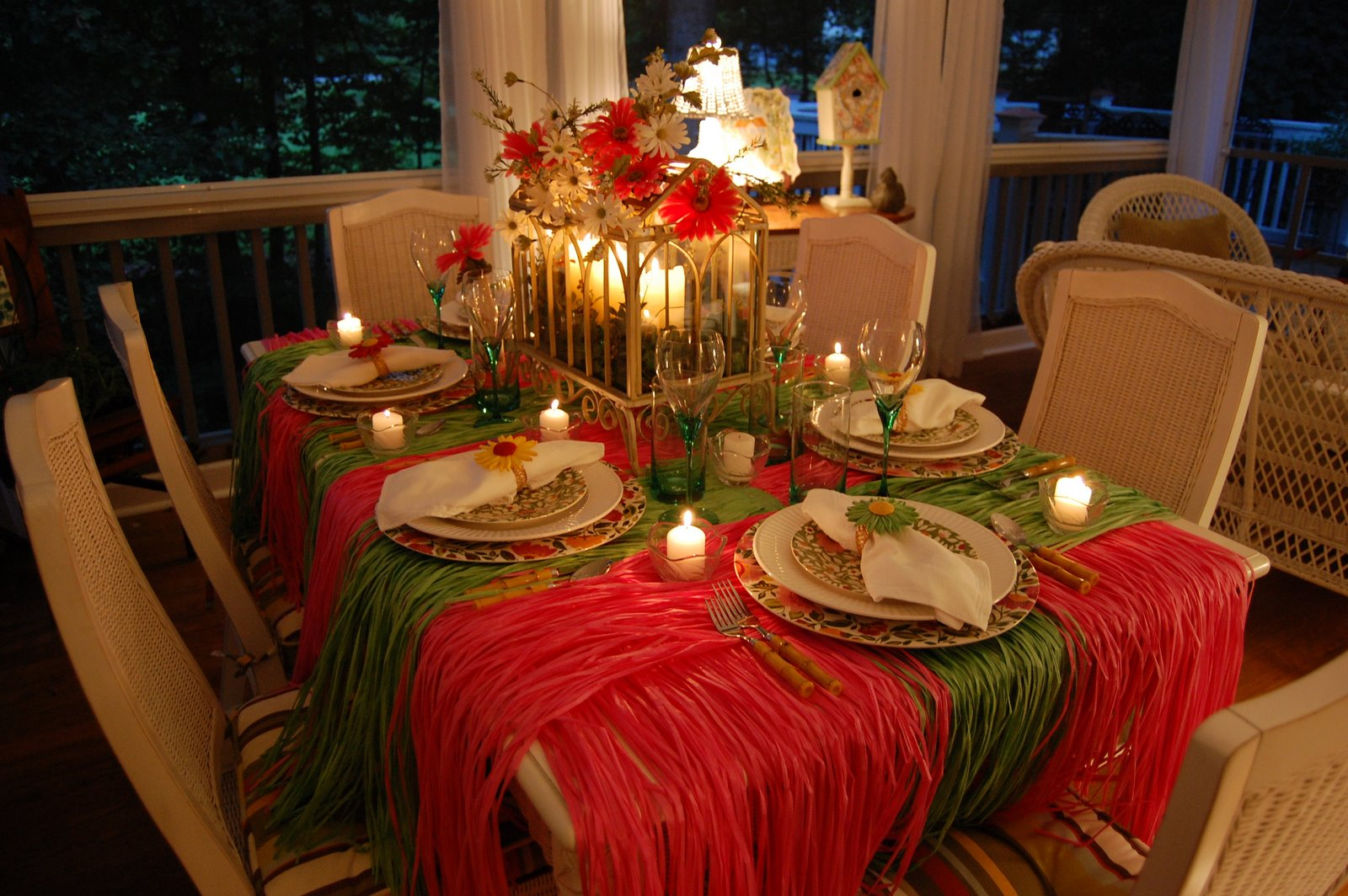 Hawaiian Or Tropical Table Setting Tablescape