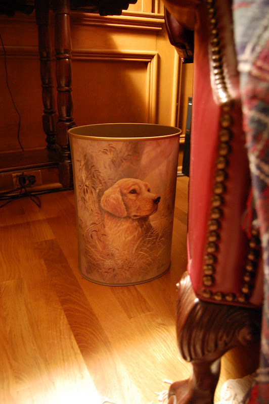 Trash can with Hunt Theme