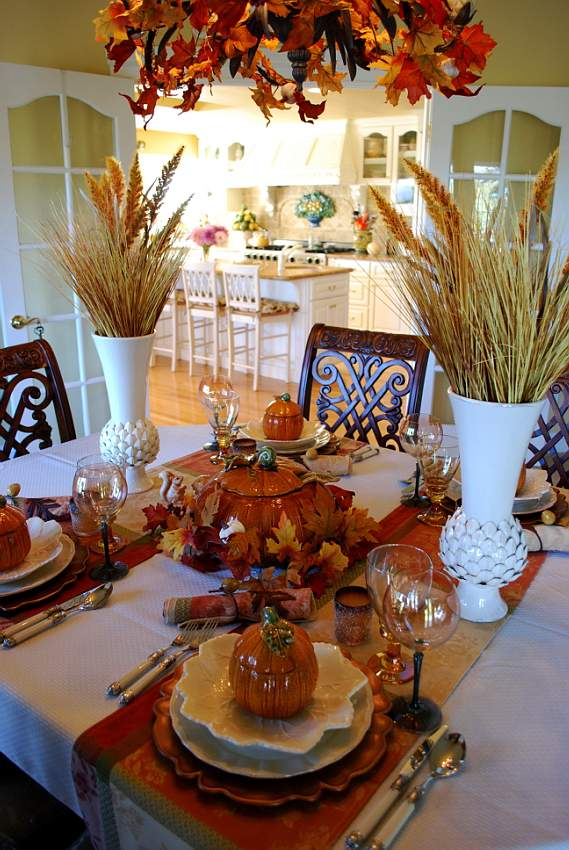 Beautiful wheat centerpiece with pumpkin tureens for Dining room table decorating ideas for fall