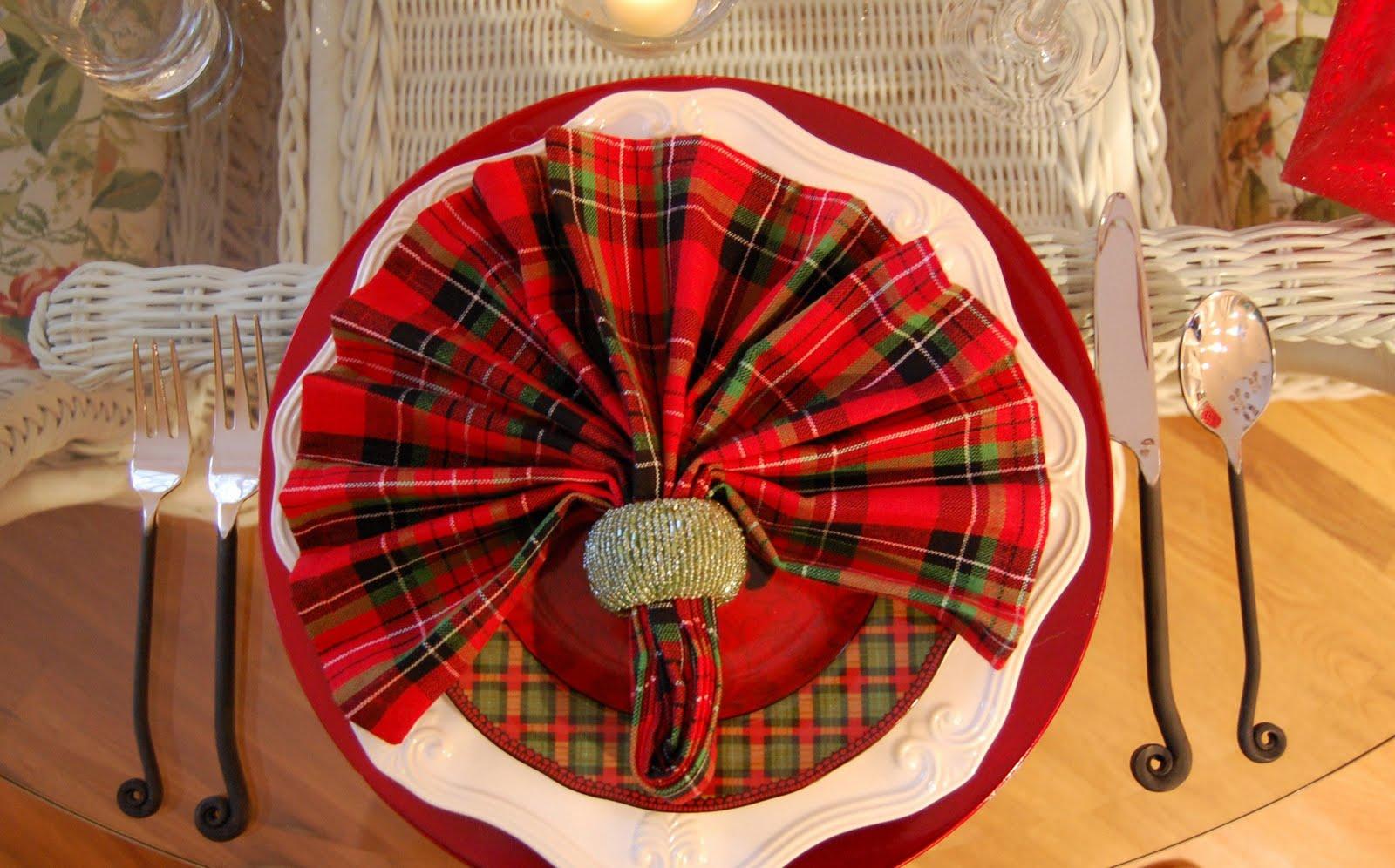 Как красиво сложить салфетки на праздничный стол 12 простых пошаговых 92