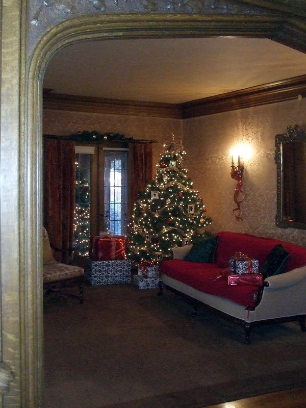 Ideas for decorating for christmas for Beautiful house tour