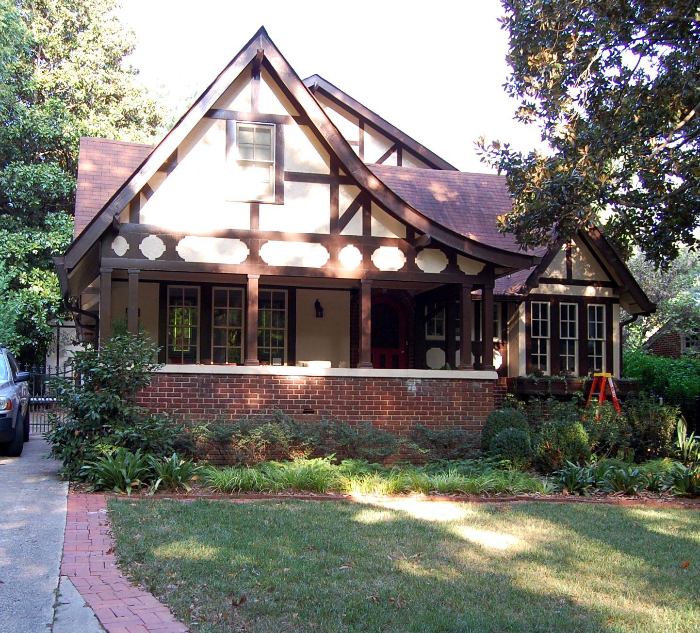 Touring historic avondale estates for Avondale house