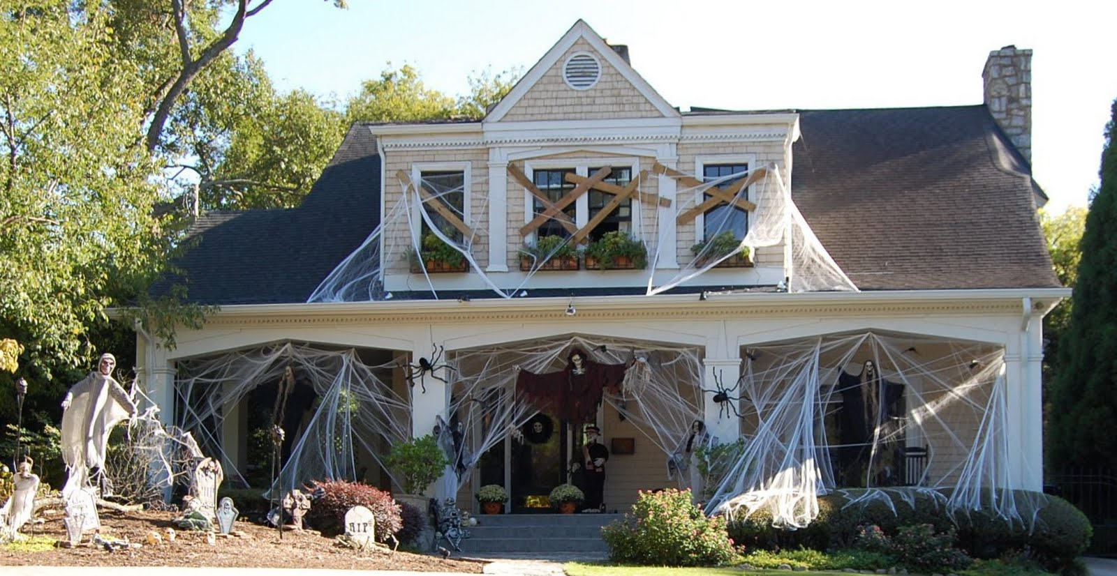 halloween house - Outdoor Halloween Decorations Ideas
