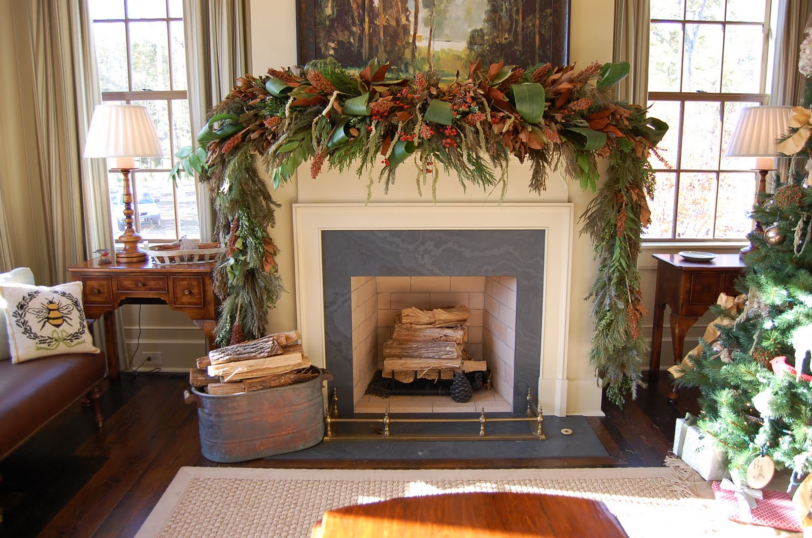 Christmas Garland Ideas For Small Fireplace : Christmas mantel decorated with natural greenery in