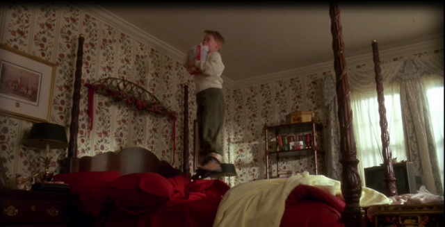 Parent's bedroom in Home Alone movie