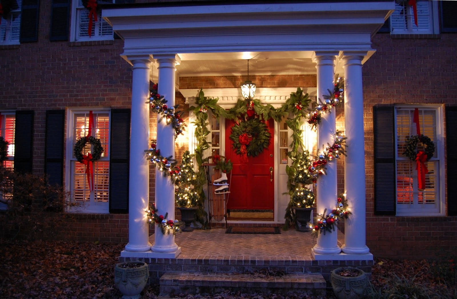 decorating for christmas with magnolia and pine - Front Door Entrance Christmas Decoration