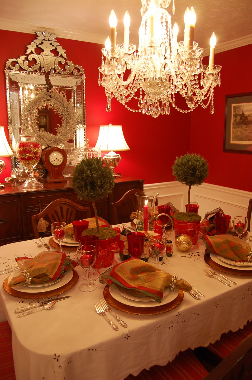 Christmas table setting tablescape with topiary centerpiece - Christmas table setting ideas ...