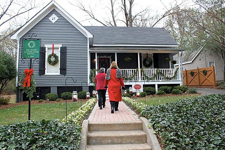 Christmas Home Tour Tour A Beautiful Folk Victorian Between Naps