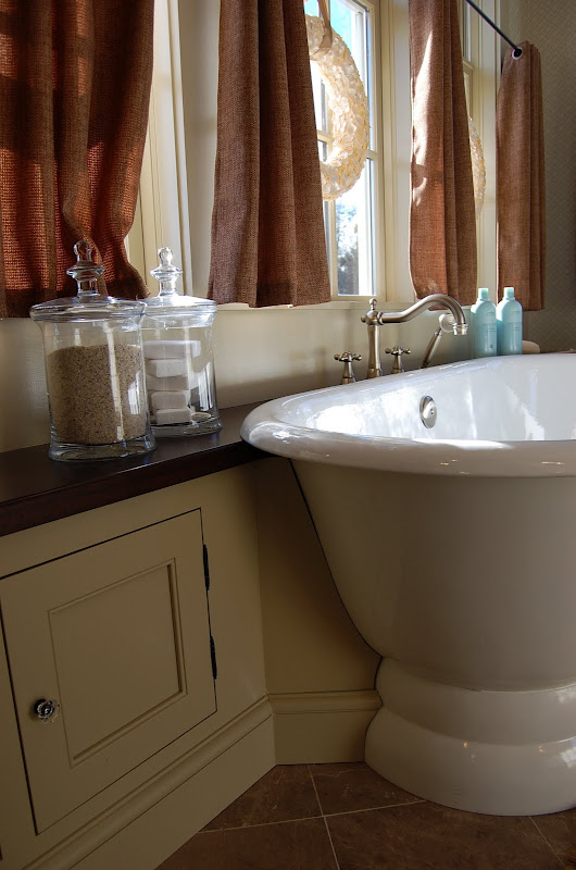 Bath in Southern Living Idea House