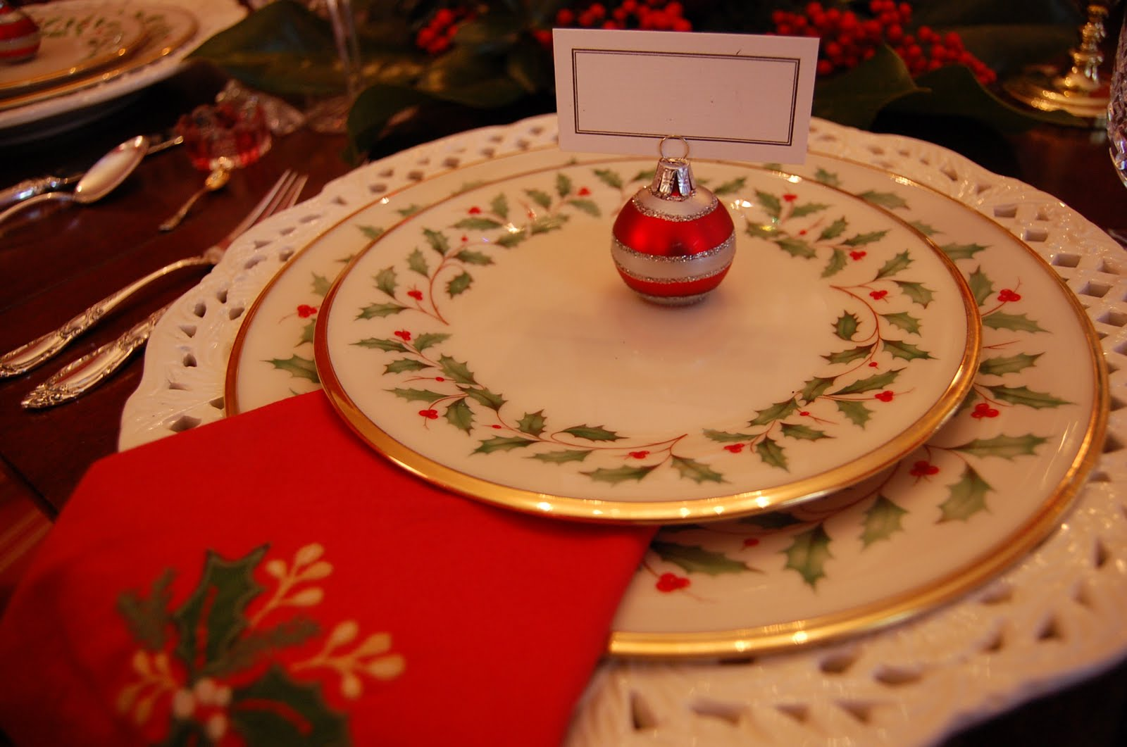 affordable christmas tablescape table setting with lenox holiday and a colonial apple tree centerpiece with lenox holiday nouveau tablecloth