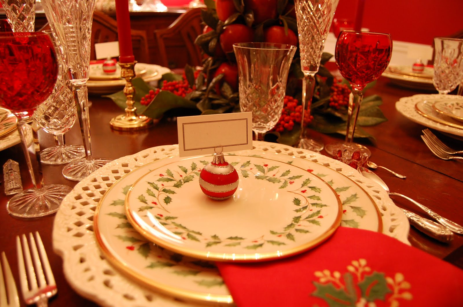 Christmas tablescape with lenox holiday and a colonial for Dinner table decor ideas
