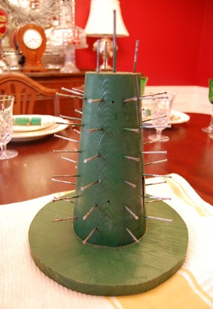 How to make a Colonial Williamsburg Christmas Table Setting with Apple Tree Centerpiece