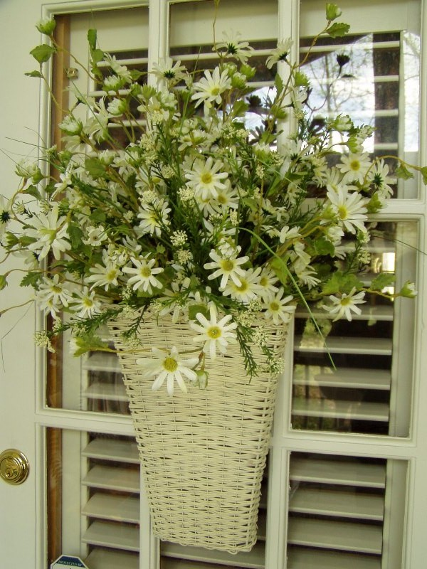 Basket  filled with Daisies